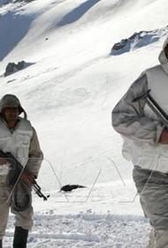 В горах Сирии снежный покров достиг толщины в несколько метров