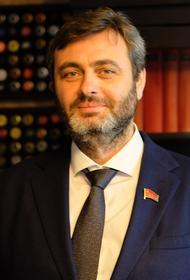 Глава КПРФ в Приморье Артем Самсонов может остаться без партии
