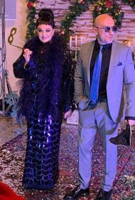 Лариса Гузеева опубликовала фото в халате сына и пожаловалась на лишний вес