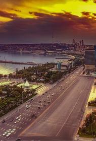 В центре Баку сошел оползень, проходит эвакуация жителей района