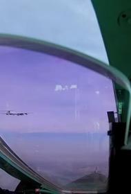 Aviapro: Самолет разведки НАТО попытался помешать работе средств ПВО РФ, в воздух был поднят российский перехватчик