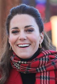 Герцогиня Кейт сообщила, что «к ужасу своих детей» на карантине освоила профессию парикмахера