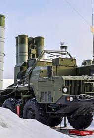 Расчеты ЗРК С-300 ВВО отразили авианалет условного противника на учении