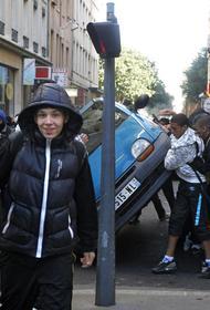 Арабские подростки избили российскую пенсионерку, приехавшую во Францию лечиться от рака