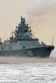 Опубликовано видео с российским фрегатом «Адмирал Касатонов», отрабатывающим постановку помех у берегов Сирии