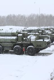 Недавно поставленные на боевое дежурство ЗРС С-400 «Триумф» показали исключительною эффективность на учениях
