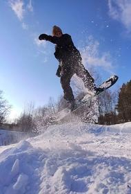 В Сочи сноубордиста спасли благодаря оранжевым перчаткам. Хорошо, что нынче в моде яркие цвета