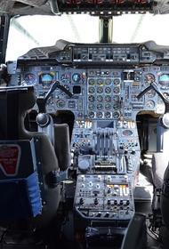 В Нижнем Новгороде самолет совершил вынужденную посадку из-за трещин в лобовом стекле
