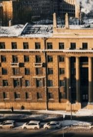 Выживают и жить не дают. Видных офицеров России гонят из квартир в Петербурге