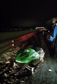 Два человека погибли в ДТП со снегоходом и грузовиком в Екатеринбурге