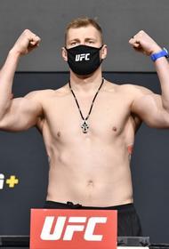 Россиянин Александр Волков нокаутировал Алистара Оверима в главном поединке UFC в США