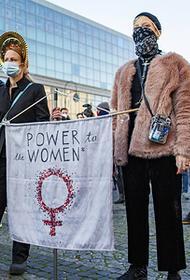 В Польше сначала запретили аборты, а теперь предлагают создать «комнаты плача» для беременных и родивших детей с патологиями