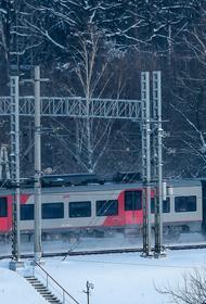 Сбой в движении электричек произошёл утром на Курском направлении. Пассажиры сообщили - час сидят в поезде в Бутово