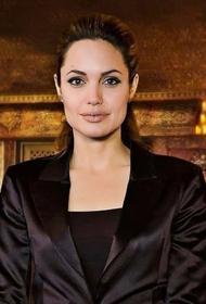 Анджелина Джоли приобрела дорогую виллу рядом с домом Брэда Питта