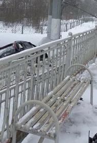 Женщина на автомобиле сорвалась с моста. Останавливалось движение всех электропоездов между Тверью и Москвой