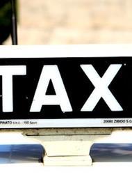 Водитель такси сбил пешехода на западе Москвы