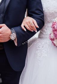 Шеф-повар Константин Ивлев и Лера Куденкова расписались в ЗАГС в День влюбленных. Венчание и свадьба будут позже
