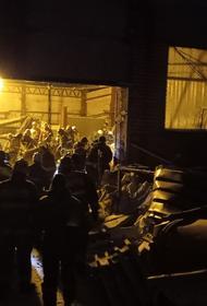 В Людиново Калужской области под завалами рухнувшей кровли автомастерской найдено тело второго человека