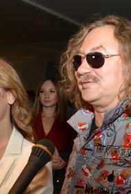 Супруга Николаева вступила в конфликт с вдовой миллионера из-за парковки: «Звездный мат»