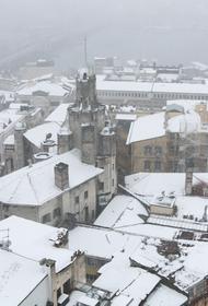 Снегопад парализовал движение в Стамбуле и Анкаре