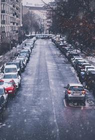 В Новосибирске водитель сбил женщину с коляской после замечания о парковке