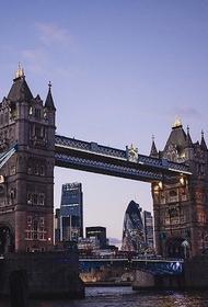 Власти Великобритании планируют в конце весны открыть страну для туристов