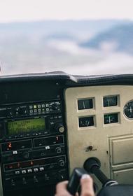 Вертолет перевернулся при приземлении в Новгородской области