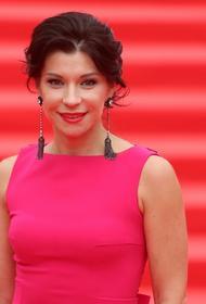Звезда «Ворониных» Волкова рассказала, сколько зарабатывают российские актеры театра и кино