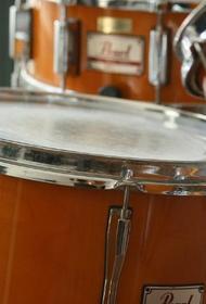 Школы искусств Челябинска получили получили по  барабану