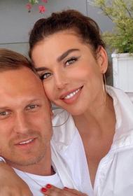 Муж Анны Седоковой пообщался в Риге с сыном