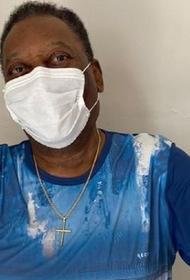 80-летний король футбола сделал прививку от коронавируса