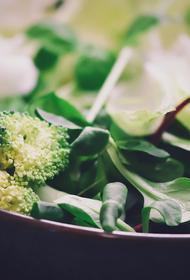 Мясников назвал полезные продукты для здоровья женщин