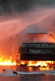 В Туле 13 автомобилей сгорели при пожаре на автостоянке
