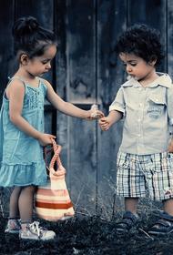 Украина - мировой центр торговли детьми, заявил депутат Рады Юрий Павленко