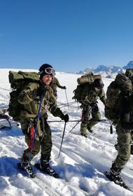 Центр горной подготовки и выживания Минобороны РФ получил Боевое знамя