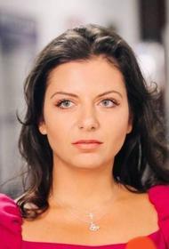Маргарита Симоньян опубликовала фото с Тиграном Кеосаяном и написала про любовь