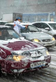 В Челябинской области мародер ограбил мужчину, помогавшего водителям в буран