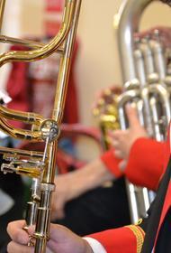 Пенсионерка не справилась с внуком и вызвала полицию - мальчишка отказывался играть на тромбоне