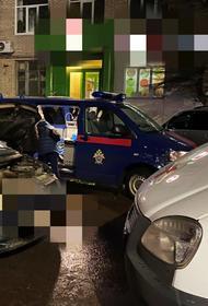 Тела трех человек, в том числе ребенка, нашли в запертой машине на улице в Туле