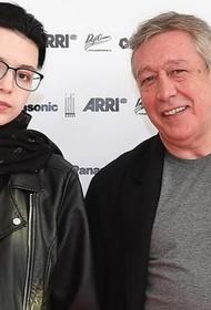 Дочь Ефремова рассказала о финансовой поддержке со стороны ее крестной Ренаты Литвиновой