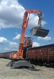 Мобильные перегружатели начали выгрузку щебня в Волгоградской области