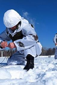 Саперы ЦВО очищают реки Южного Урала ото льда методом подрыва
