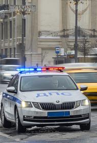 Полицейский на служебном автомобиле сбил человека на Кутузовском проспекте. Пешеход погиб