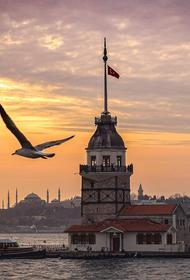 В Турции ввели комендантский час по выходным в большинстве провинций
