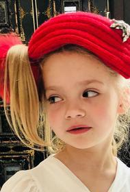 Алла Пугачева опубликовала видео, как дочка Лиза пародирует блогеров: «Лишь бы сама такой не стала»