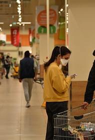 Надежда лишь на сезонные овощи, остальные продукты в России стремительно дорожают