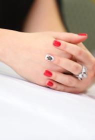 Жительница Челябинска после смерти мужа узнала, что он давно с ней развелся