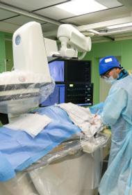 Челябинские врачи спасли девочку, которая съела килограмм волос