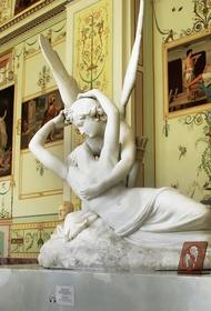 Эрмитажем получена официальная жалоба: обнаженные скульптуры плохо влияют на несовершеннолетних