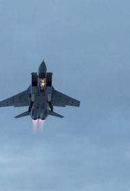 Минобороны РФ опубликовало видео перехвата американского самолета-разведчика российским истребителем МиГ-31